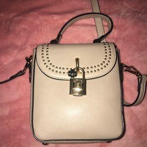 Cute cross bag !!!